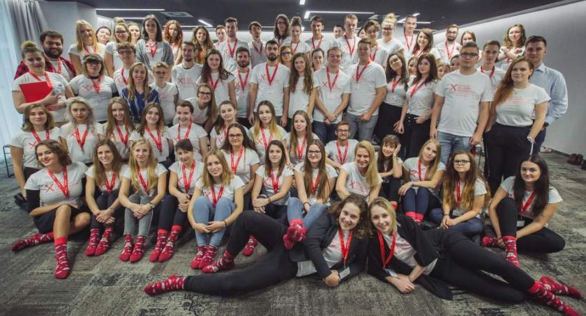 Opieka Społeczna, Warszawscy studenci przeciw białaczce edycja Helpes Generation - zdjęcie, fotografia