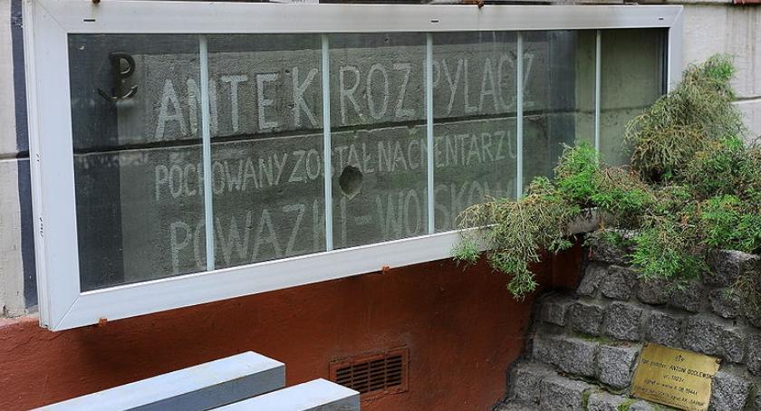 Aktualnosci , Napis kamienicy Brackiej pozostać nietknięty - zdjęcie, fotografia