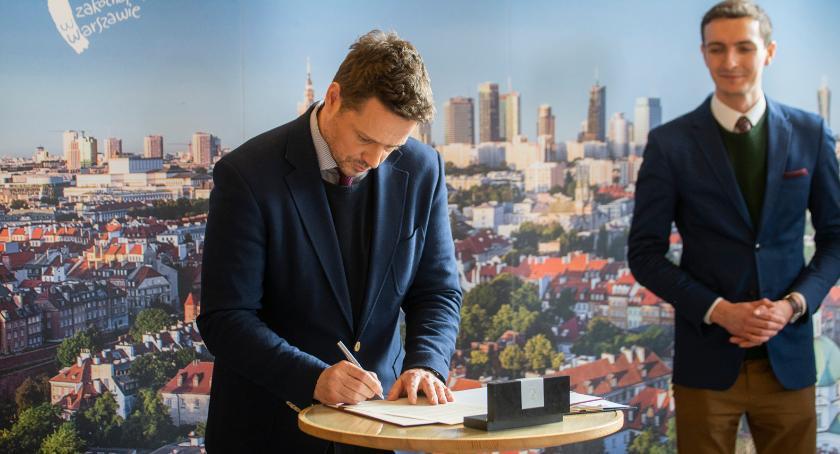 Okiem wyborcy , Warszawa podpisuje Deklarację LGBT+ - zdjęcie, fotografia