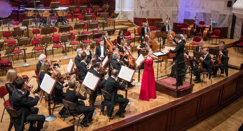 Muzyka, Koncert charytatywny Filharmonii Narodowej - zdjęcie, fotografia