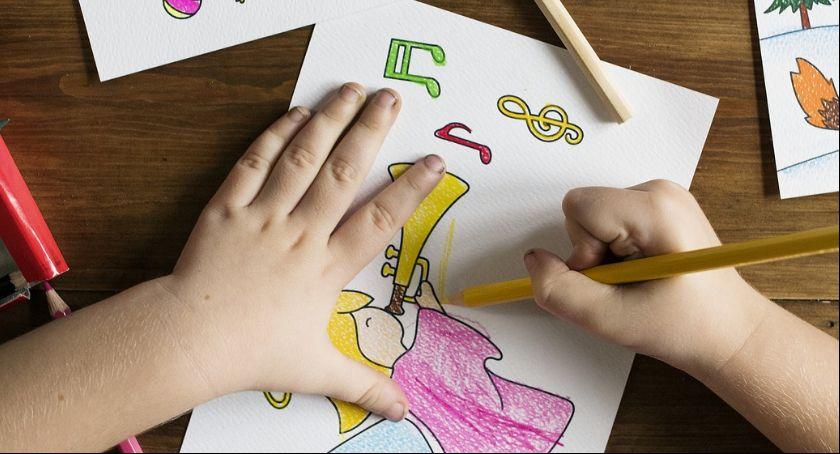 Aktualnosci , Strajk nauczycieli dalej zaplanować dziecku dzień - zdjęcie, fotografia