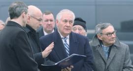73. rocznica wyzwolenia w Auschwitz przy pomniku Powstania Warszawskiego