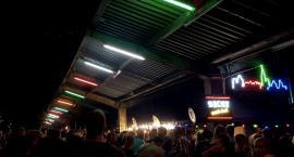 Tłumy na otwarciu Nocnego Marketu
