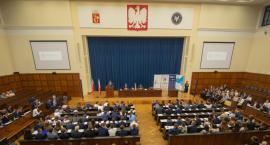 Pierwsza sesja Parlamentu Dzieci i Młodzieży w Dzień Dziecka
