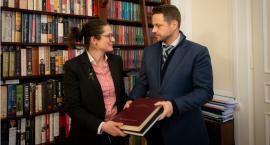 Przekazanie księgi kondolencyjnej Gdańsku