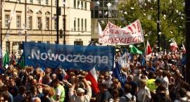 Marsz KOD i opozycji - zdjęcia z  Placu Trzech Krzyży