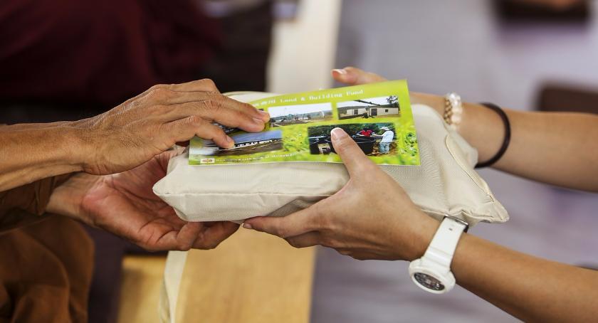 Opieka społeczna, Zbiórka żywności środków higienicznych Hospicjum - zdjęcie, fotografia
