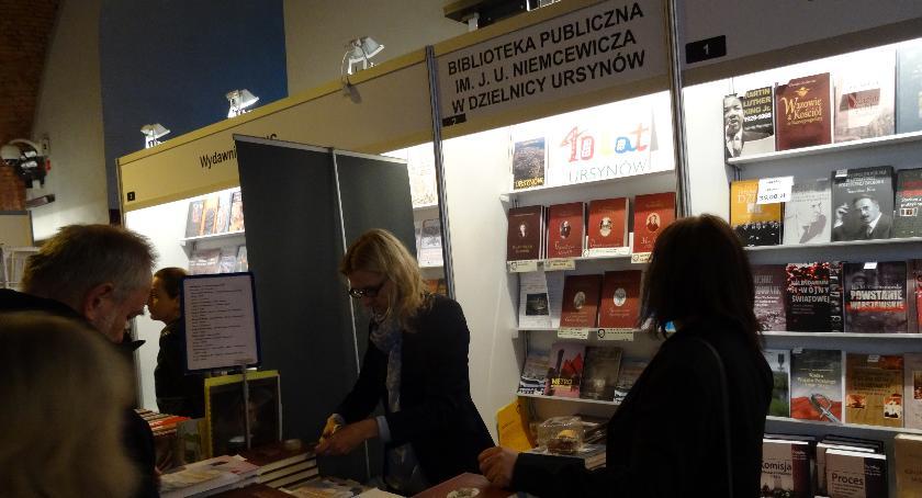Książka, Ursynowska Biblioteka - zdjęcie, fotografia