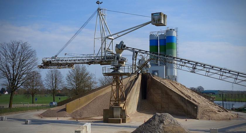 Inwestycje, Inwestycjom betoniarnia mówię ursynowie - zdjęcie, fotografia