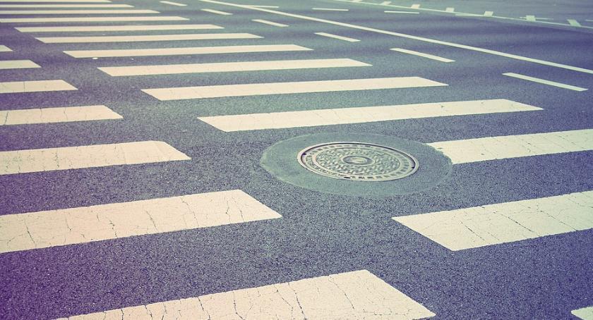 Bezpieczeństwo, Kolejne przejścia pieszych będą doświetlone Ursynowie - zdjęcie, fotografia