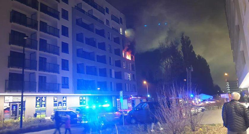 Bezpieczeństwo, Spłonęło mieszkanie Ursynowie zaczęło świeczek - zdjęcie, fotografia