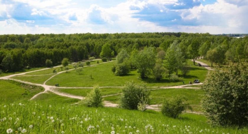 Inwestycje, decyzja budowie Parku Cichociemnych Spadochroniarzy - zdjęcie, fotografia