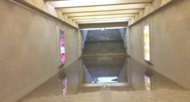 Metro Kabaty zalane po ulewie