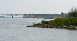 Szczególna ostrożność podczas przepływania w pobliżu mostu Świętokrzyskiego w dniach 8.12.11.2018r.