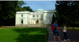 Mieszkańcy Ursynowa chcą otwartego Parku Natolińskiego. Jest petycja