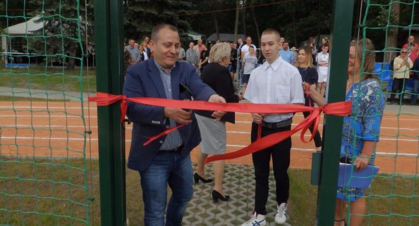 Piłka nożna, Miedzeszyn zyskał kompleks sportowy - zdjęcie, fotografia