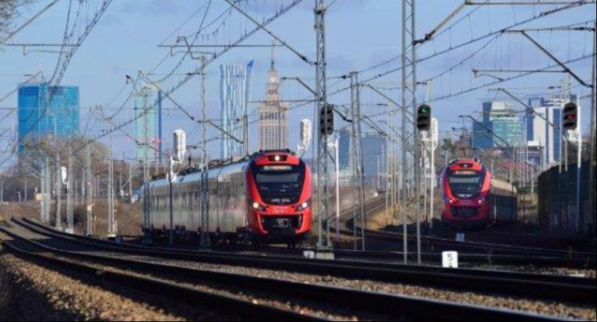 Komunikacja, Dobra wiadomość mieszkańców Wawra pracujących Służewcu - zdjęcie, fotografia