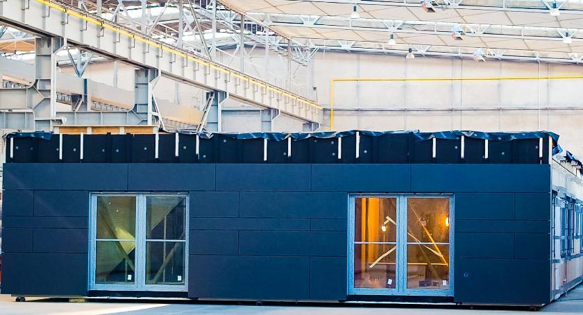 Inwestycje, Nowoczesna technologia dwóch szkołach przedszkolu Wawrze - zdjęcie, fotografia
