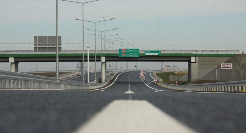 Inwestycje, zgoda budowę odcinka przebiegającego przez Wawer postulatami mieszkańców - zdjęcie, fotografia