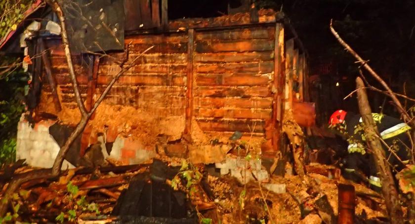 Bezpieczeństwo, Pożar budynku zbiegu Poprzecznej Wydawniczej [ZDJĘCIA] - zdjęcie, fotografia