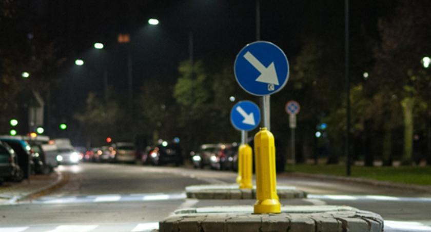 Bezpieczeństwo, przejść pieszych Wawrze wkrótce nowym oświetleniem - zdjęcie, fotografia
