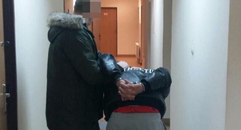 Bezpieczeństwo, Udaremniona próba oszustwa wnuczka policjanta - zdjęcie, fotografia