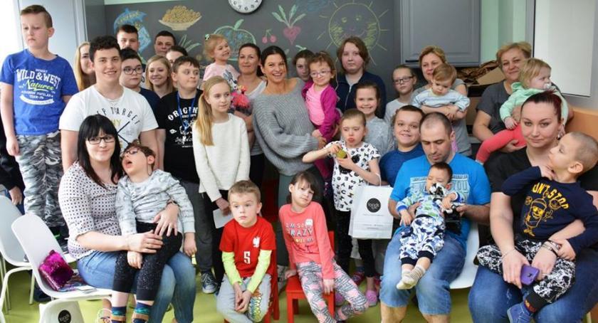 Zdrowie, Pół miliona Centrum Zdrowia Dziecka Lewandowskich - zdjęcie, fotografia