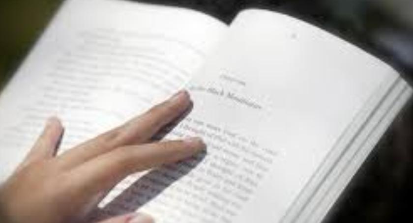 Inwestycje, Więcej książek bibliotece publicznej Aninie - zdjęcie, fotografia