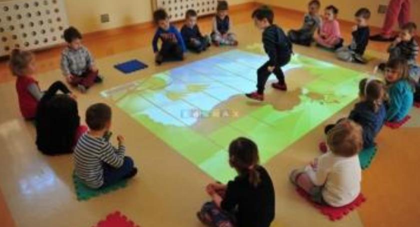 Szkoły, Nauka pomocy dywanów Teraz możliwe - zdjęcie, fotografia