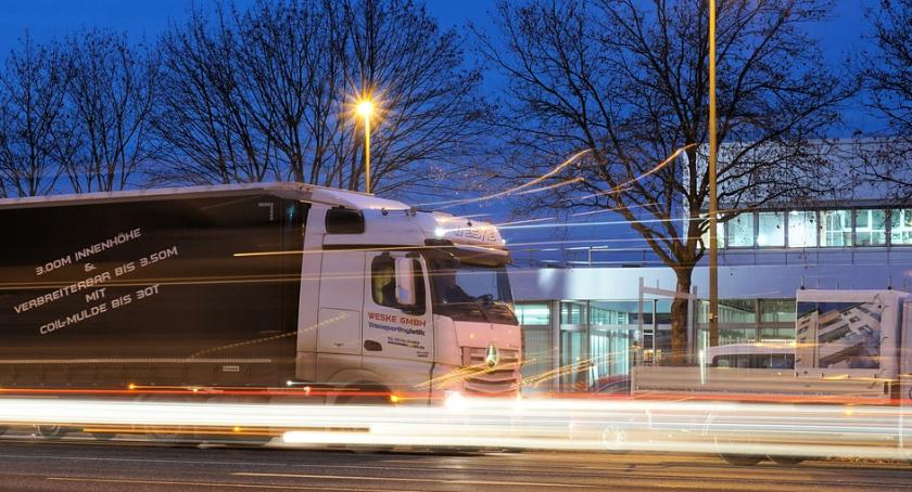 Handel i usługi, Logistyka wyższym poziomie - zdjęcie, fotografia