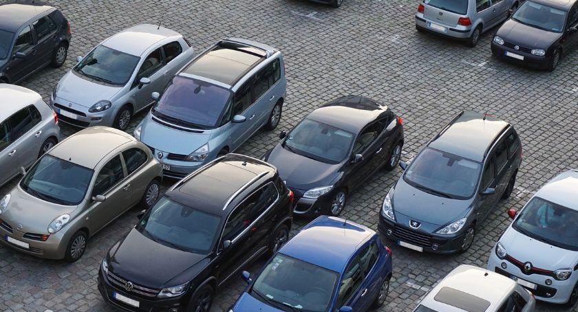 Komunikacja, Likwidacja miejsc parkingowych Wawrze dalej - zdjęcie, fotografia