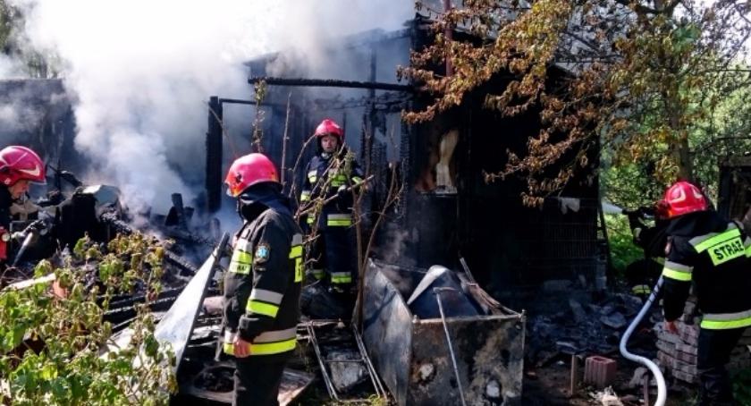 Bezpieczeństwo, Pożar altanki Sęczkowej Wawrze - zdjęcie, fotografia