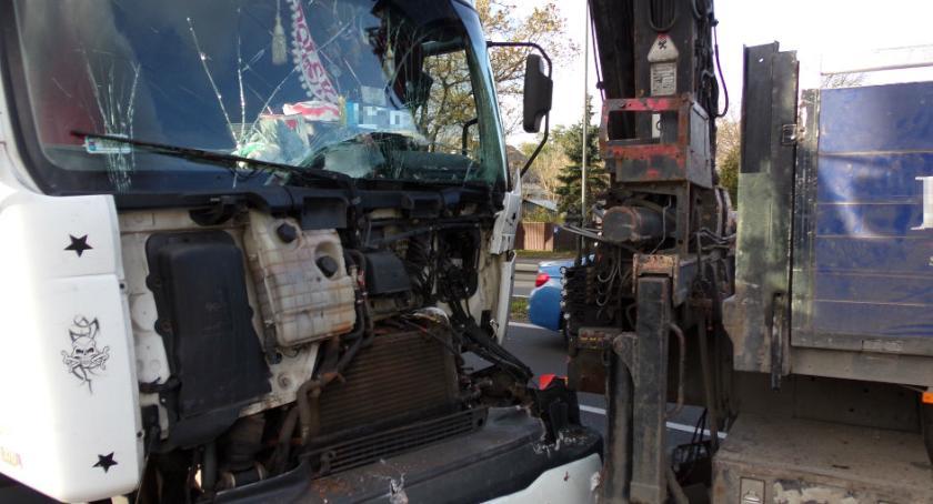 Bezpieczeństwo, Zderzenie dwóch ciężarówek Trakcie Brzeskim zdjęcia straży - zdjęcie, fotografia
