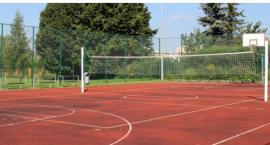 Wakacje na sportowo - które boiska w dzielnicy są czynne