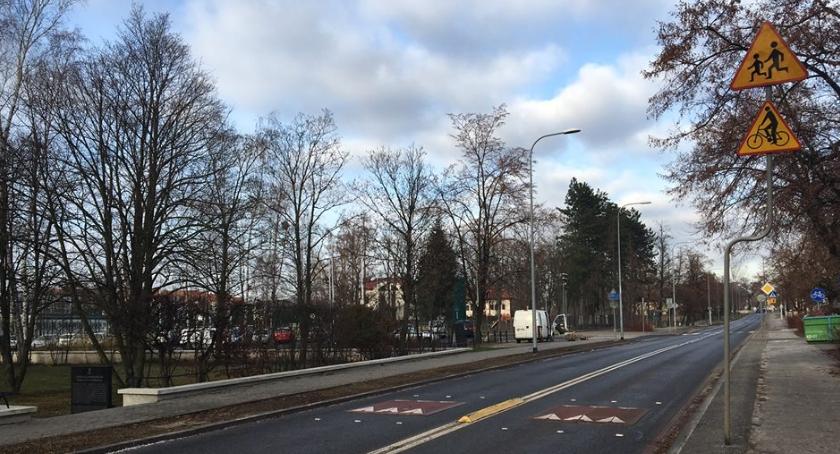Ulice i place, Progi zwalniające ulicy Przyczółkowej Będzie bezpieczniej - zdjęcie, fotografia