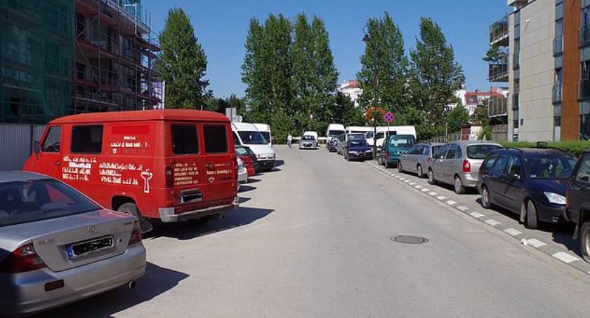 Ulice i place, Skrzyżowanie Sarmackiej Aleją Wilanowską [REMONT] - zdjęcie, fotografia