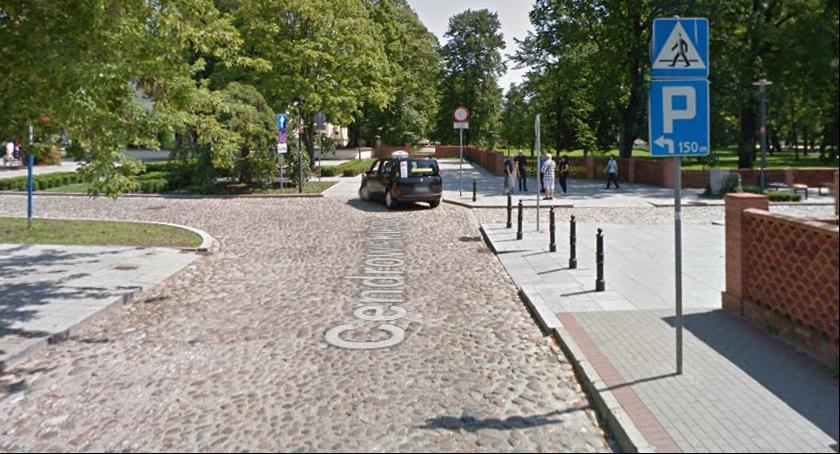 Ulice i place, Stefana Cendrowskiego wśród wpisanych gminnej ewidencji zabytków - zdjęcie, fotografia
