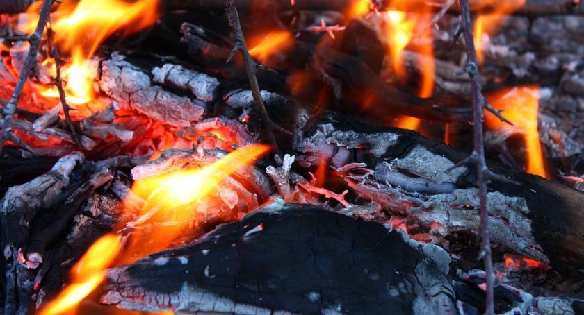 Bezpieczeństwo, Pożar bloku Miasteczku Wilanów - zdjęcie, fotografia