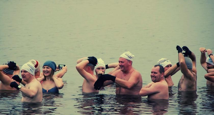 Morsy, czyli ludzie którzy uwielbiają kąpać się zimą w lodowatej wodzie