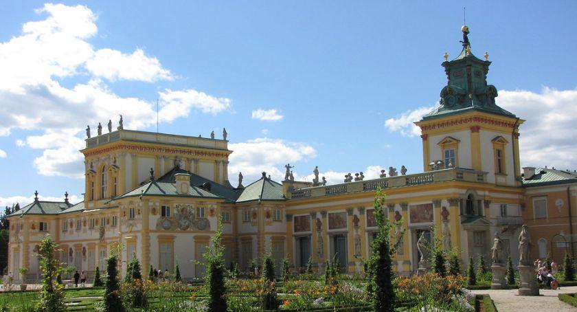 Urząd dzielnicy, Zwiedzanie pałacu wilanowskiego rodzin dziećmi - zdjęcie, fotografia