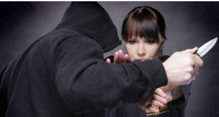 Bezpieczeństwo, Bezpłatny samoobrony kobiet - zdjęcie, fotografia