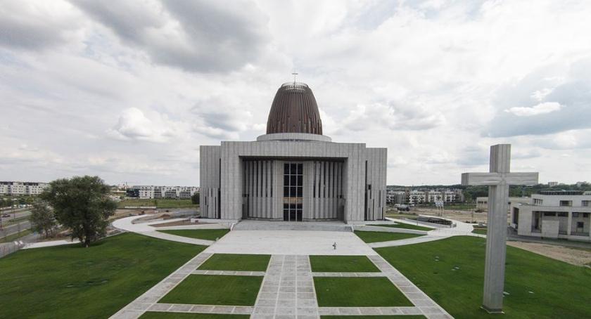 Inwestycje, Świątynia Opatrzności Bożej otwarta będzie jeszcze - zdjęcie, fotografia