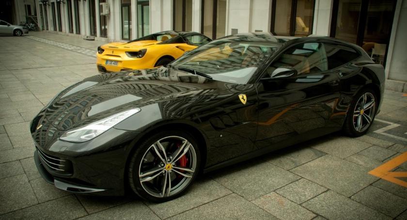 Handel i usługi, Ferrari Lusso Polsce Będzie kupienia salonie Przyczółkowej - zdjęcie, fotografia