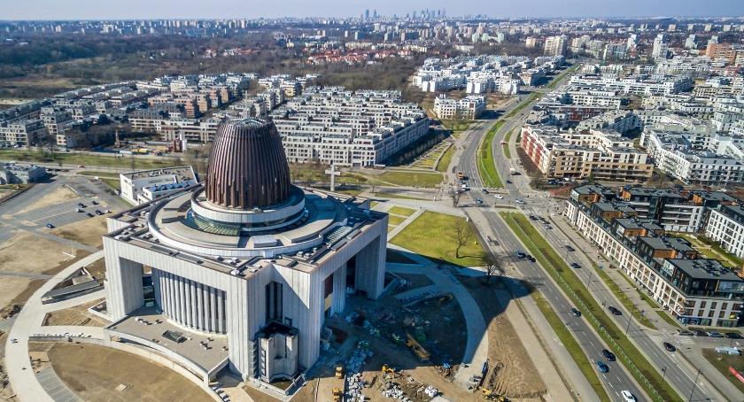 Inwestycje, Wciąż brakuje wykończenie Świątyni Opatrzności Bożej - zdjęcie, fotografia