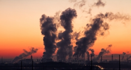 Warszawa walczy ze smogiem. Jak otrzymać dofinansowanie na wymianę pieców?