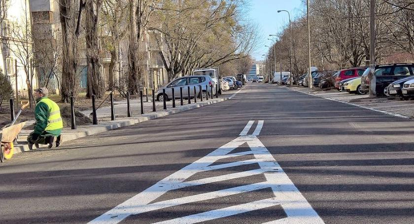 Inwestycje, Ulica Czorsztyńska zyskuje wygląd - zdjęcie, fotografia