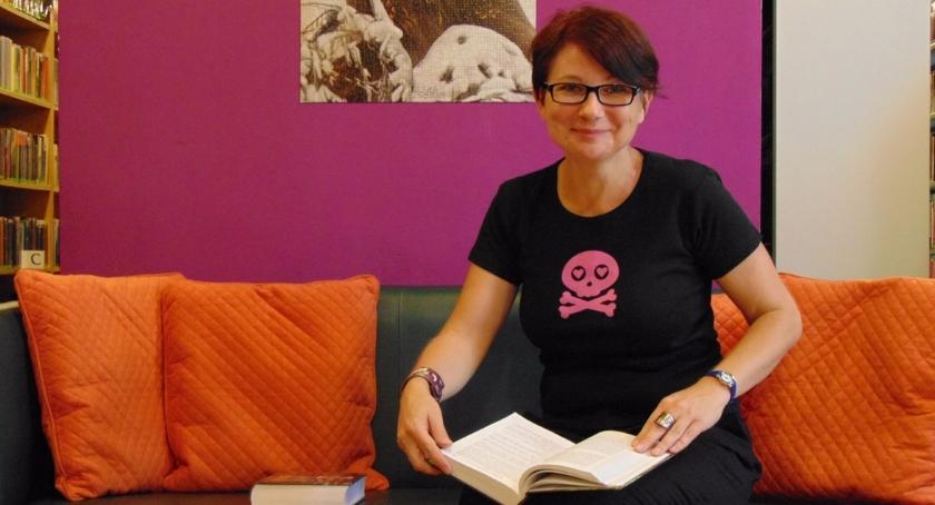 Ludzie Woli, Ludzie Renata bibliotekarz kierownik animator - zdjęcie, fotografia