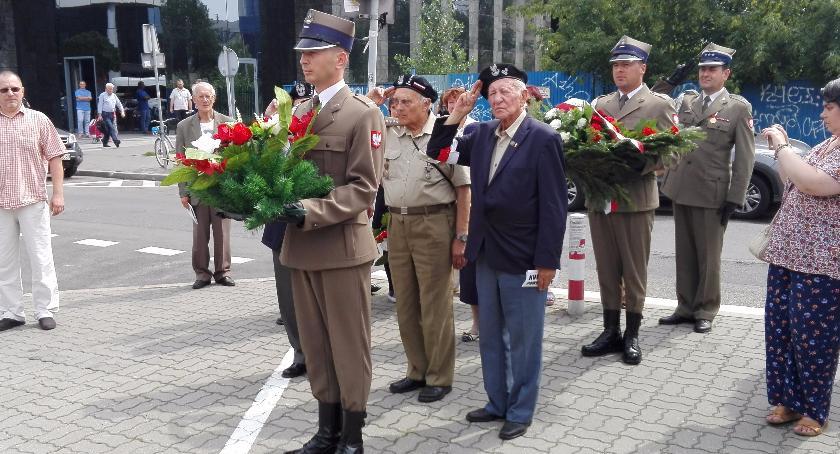 """Historia, Uroczystości skwerze Zgrupowania Armii Krajowej """"Chrobry II"""" - zdjęcie, fotografia"""