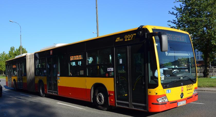 Komunikacja, Przystanek autobusowy Karolkowa przeniesiony - zdjęcie, fotografia