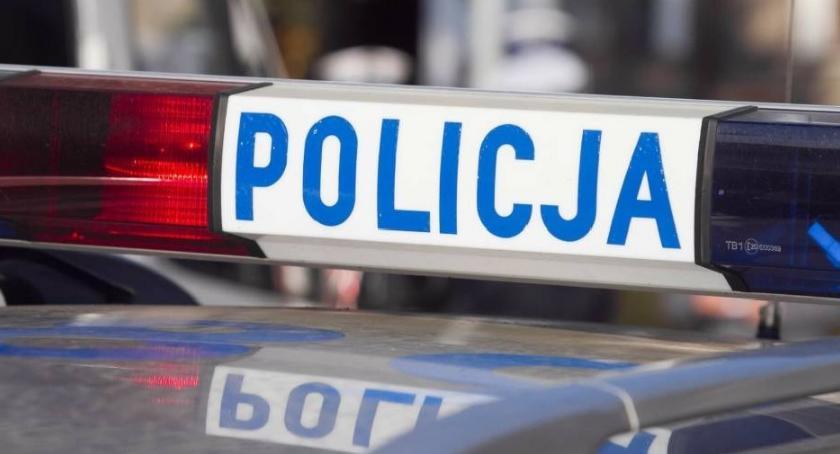 Interwencje, Alkohol powoduje łatwiej dogadujemy znajomymi policją… - zdjęcie, fotografia
